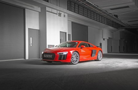 The R8, when first revealed back in 2007 was a gorgeous and technologically-advanced piece of machinery. Audi had outdone themselves with the 1st generation car.