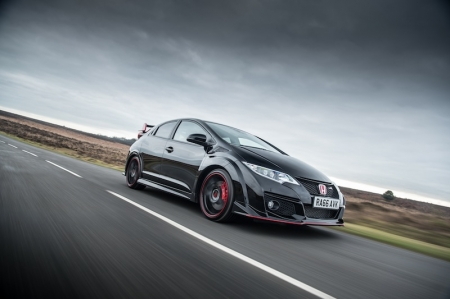 Already on their way to dealers across the UK, the Civic Type R Black Edition features a predominantly black interior with red accents which add to the premium cabin feel, whilst the exterior is differentiated from the standard version by red rear wing end plates on the spoiler.