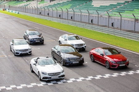 However, Mercedes didn't just stop with the AMG C43 sedan (which we've reviewed previously). They have expanded to the — take a deep breath — AMG C43 Coupe, C43 Cabriolet, SLC43, GLC43, GLC43 Coupe and even E43. Yes, an entire new range of AMG 43.