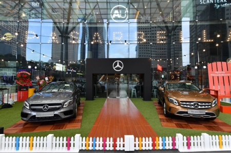 Befitting the GLA's adventurous nature, the event location created an atmosphere of wanderlust — decked out in fairy lights, colourful picket fences, picnic benches and large beach chairs, guests were provided with a fun escape from the grind of city life.