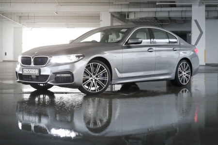 POWER-PACKED. The 540i is packed with 335 bhp, coming from a 3.0-litre BMW TwinPower Turbo 6-cylinder in-line 24-valve unit. This enables the car to reach 100 km/h from standstill in less than 5 seconds. Which puts it in supercar territory. And this is not even the M5.