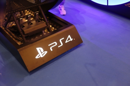 Sony kindly invited us for a preview of the event, where we could try three unreleased game titles – Gran Turismo Sport, FIFA 18 and Taiko No Tatsujin – in addition to existing game titles already available for the PlayStation 4 such as Minecraft.