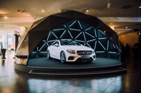 Unlike its predecessor that was based on the smaller C-Class, the new E-Class Coupé is based on the E-Class saloon, thus offering more space and comfort with the larger footprint. The car has grown 123 mm longer, 74 mm wider and 33 mm taller, resulting in increased rear knee room, shoulder room and headroom.