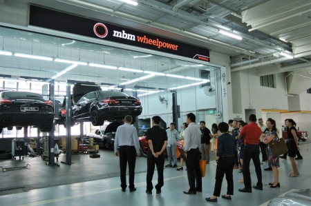 The facility is capable of attending to 70 cars daily, with state-of-the-art innovations such as the award-winning Car-o-Liner Collision Repair System and environmentally friendly Cromax Pro Paint System available to meet the growing motoring needs of drivers.