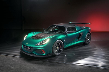 With 430 hp at 7,000 rpm and 440 Nm of torque from 4,000 rpm, 0-100 km/h is dispatched in 3.3 seconds with a top speed of 290 km/h. Helping to harness all that power is a comprehensive range of new aero elements - a new ultra-lightweight front clam with unique carbon fibre ducts has wider radiator apertures and a new mesh pattern grille to provide a more combative aspect and to allow for a new front splitter and air curtain mechanism to reduce drag. The lightweight rear clam panel supports the larger, straight motorsport wing to increase downforce without impacting the car's overall drag coefficient. The new design front and rear clam panels are 6.8 kg lighter than those on any other Exige. Lotus' expertise in lightweight design has played its part in reducing the overall dry weight by 12 kg to 1,059 kg, with the vehicle down to 1,056 kg in its lightest configuration. This, combined with the dramatic jump in raw power, raises the Cup's power to weight from 355 hp / tonne (Cup 380) to 407 hp / tonne.