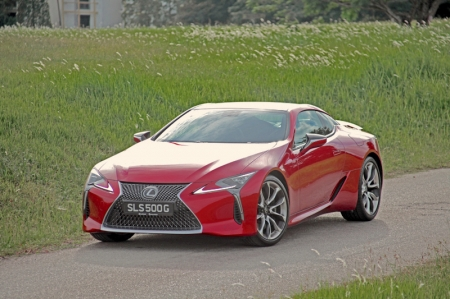 You take a look at the LC 500 here – you're just not sure. The front end made it look like a serpent and the grill seems a tad over the top. Its headlamps, along with the individual daytime running light and signal repeaters, all LED, seems too abstract. Flanking the car are several creases, paired to a broad shoulder that, potentially, puts Stallone to shame. The rear? Full of details that will not look out of place in a Transformer series, thanks largely to the slit-eyed tail lamps.
