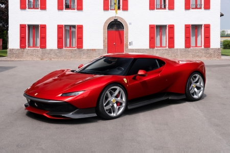 The result is a model that can be driven both on road and on track, while at the same time expressing all the beauty and innovation inherent in Ferrari's road cars.