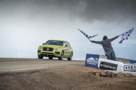 Climbing almost 1,524 meters through 156 corners, the Bentayga deployed its unique combination of a 600 bhp, 900 Nm W12 engine, adaptive air suspension, active electric 48V anti-roll control and carbon ceramic brakes to set a stunning new benchmark.