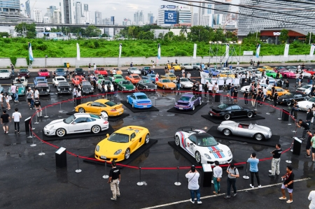 Thousands came to the event at Show DC Oasis Arena and more than 300 Porsche cars arrived throughout the course of the day. At the same time, droves of spectators turned up to watch 911 GT3 Cup cars tackle the challenging corners of the street circuit perched at Bangsaen beach for Porsche Carrera Cup Asia (PCCA).
