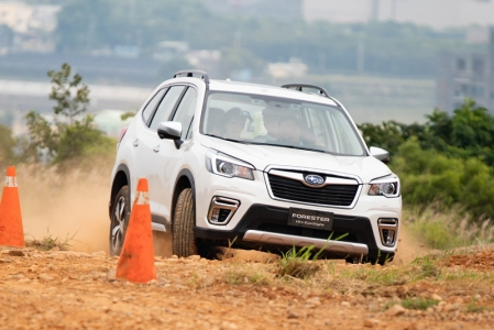 Built around the new Subaru Global Platform (SGP), the Forester follows in the footsteps of its stablemates, the Impreza and the XV. This allows the car to be developed around a lighter, yet stronger chassis.
