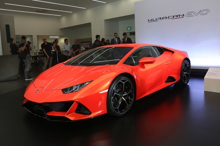 It works based on predictive data and is based on 'feed-forward', rather than feedback. This, Lamborghini claims will result in more precise controls, performance and overall drivability.