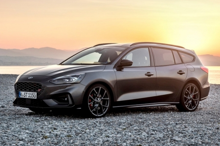 Not likely to breathe Singapore air is Ford's 280 bhp 2.3-litre EcoBoost ST wagon. Similar to Volkswagen's Golf R Variant, this is a go-fast estate for dads who need more space. The new Focus has opted for a more