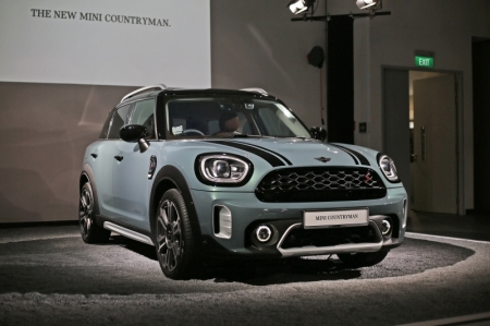 It's available as both a 1.5-litre Cooper, or a 2.0-litre Cooper S, and they cost S$161,888 and S$180,888 with Certificate of Entitlement (COE) respectively. Both engines are fundamentally the same as in the outgoing Countryman, save for some tweaks to clean up emissions.