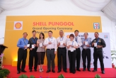 Located at 821 Punggol Road, the newest Shell site is their first in the area and the second petrol station in the estate. With the new station, residents will also be able to enjoy added convenience at Shell's alliance partner 7-Eleven that offers a comprehensive range of products and services, such as bill payment facilities and top-up kiosks for Cashcard, Ezlink and Autopass cards.