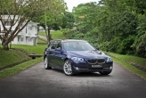 BMW did exceptionally well with the design. The front remains dashing like the sedan version, while the rear has an equally good-looking face with similar rear-lamps used on the 4-door. Unlike the previous Touring (E60), this new model retains the winning good looks of its saloon version.