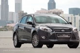So here is the new Focus then, in its third and - what must probably be - the finest iteration. It's not merely a facelift, mind you; it's a major rework. Updated engine, new transmission, new exterior and even a new antenna. Well the chassis remains largely similar to the second generation, only points to note are strengthened mountings, improved bushings and steering, and better brakes.