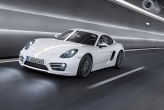 The body of the new Porsche Cayman is an entirely new development based on the body-in-white of the Boxster. The results: The bottom line is that innovative lightweight body design with mixed aluminium-steel construction has reduced body-in-white weight by around 47 kg. At the same time, the car's static torsional rigidity was boosted by 40 per cent. In other words, the Cayman drives more precisely than ever before.